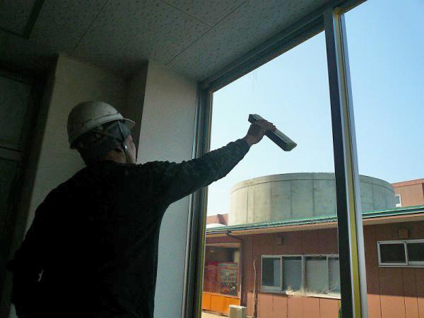 窓遮熱コーティングの施工5
